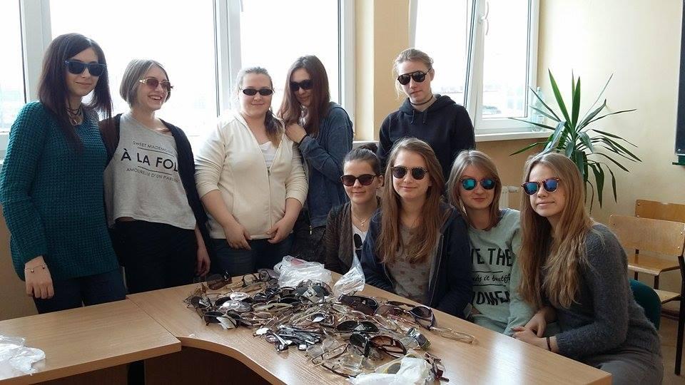Zebrano 505 par okularów!