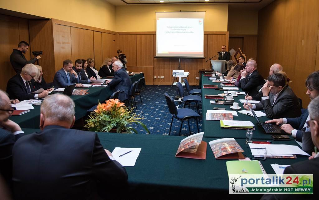 Przedstawiciele 11 dolnośląskich uzdrowisk spotkali się w Jeleniej Górze