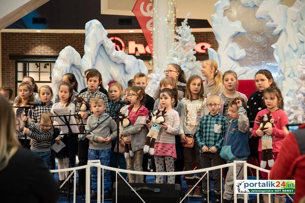 Świąteczne koncerty i warsztaty…