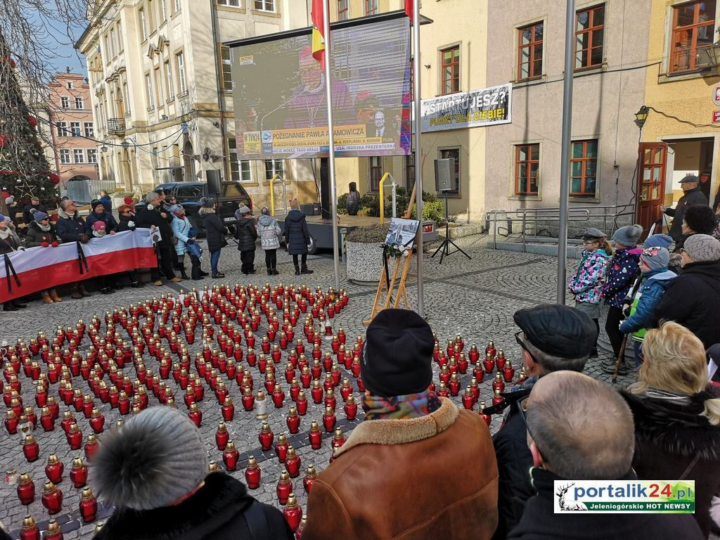 Jeleniogórzanie pożegnali tragicznie zmarłego Prezydenta Gdańska