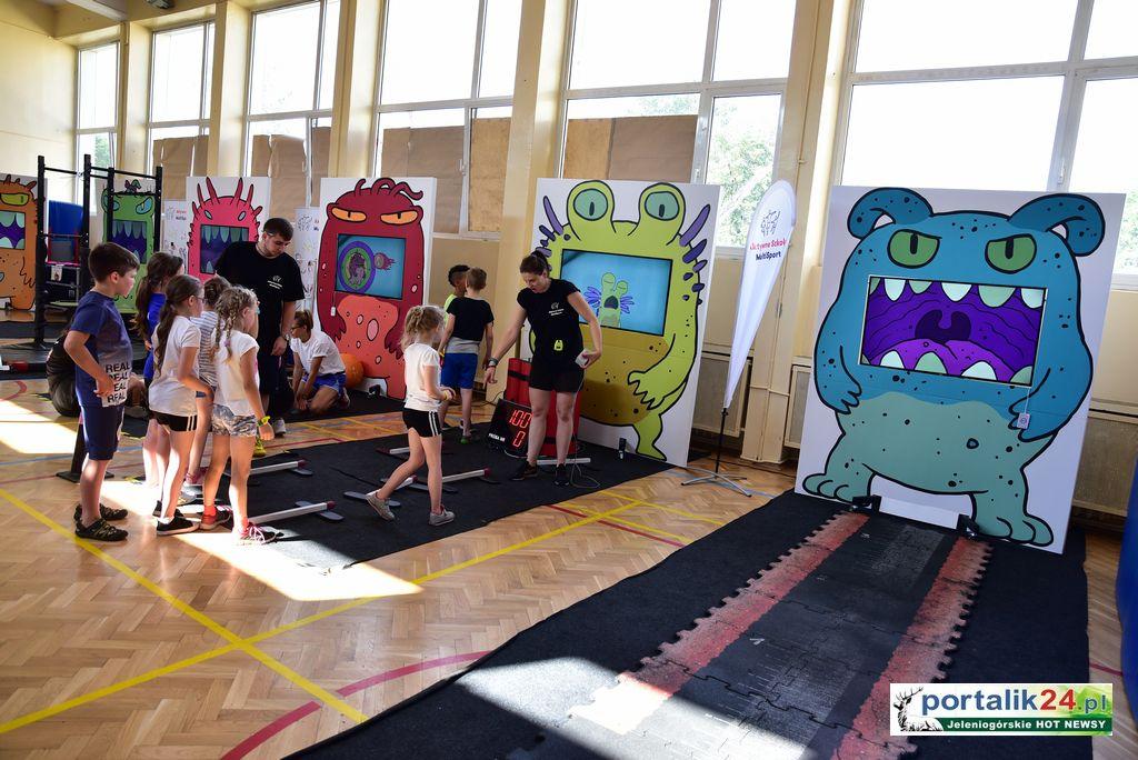 """Potwory w służbie dzieci – """"Aktywna Szkoła Multisport"""""""