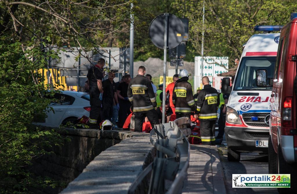 Kierowca zasłabł i zmarł na drodze